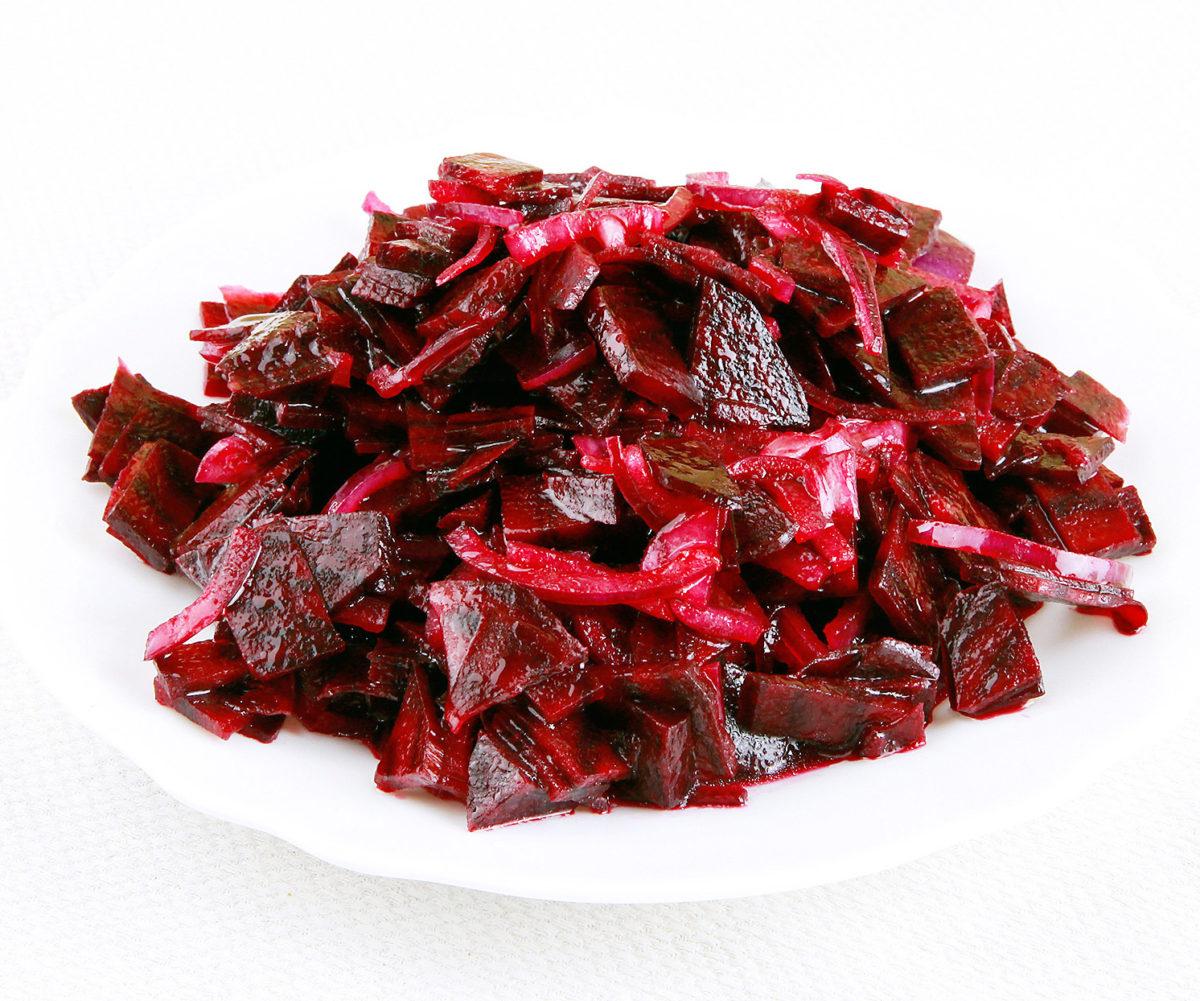 Marinovaný salát z červené řepy