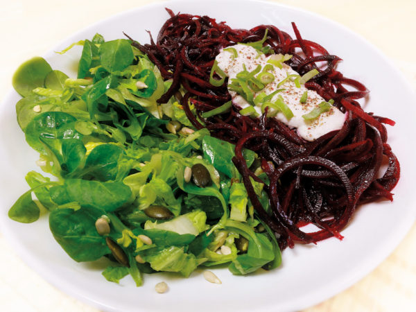 Může to pak vypadat třeba takhle :-) jako příloha je náš semínkový salát ze str. 82