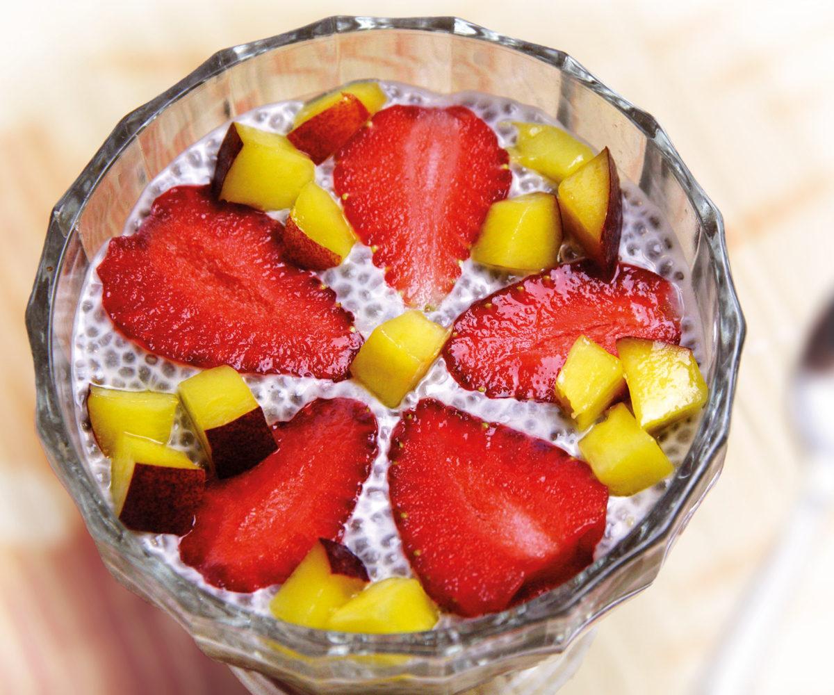 Vanilkový chia pudink s ovocem