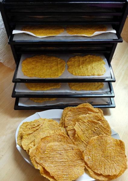 Tortilly sušíme vždy ve větším množství, protože jsou rychle pryč :-)